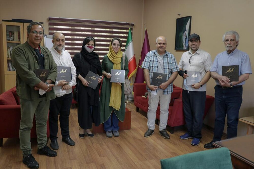 کتاب سال عکاسان سینمای ایران، منتشر شد